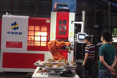 铸造造型机机械手视频,全自动造型设备视频,全自动粘土砂造型视频